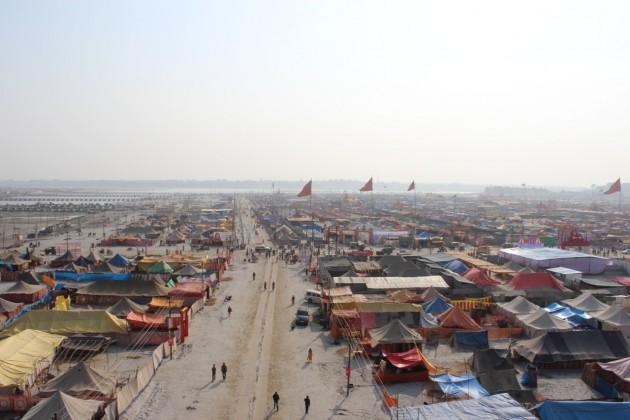hindistan, geçici mega kent, kumbh mela için rahul mehrotra,felipe vera,