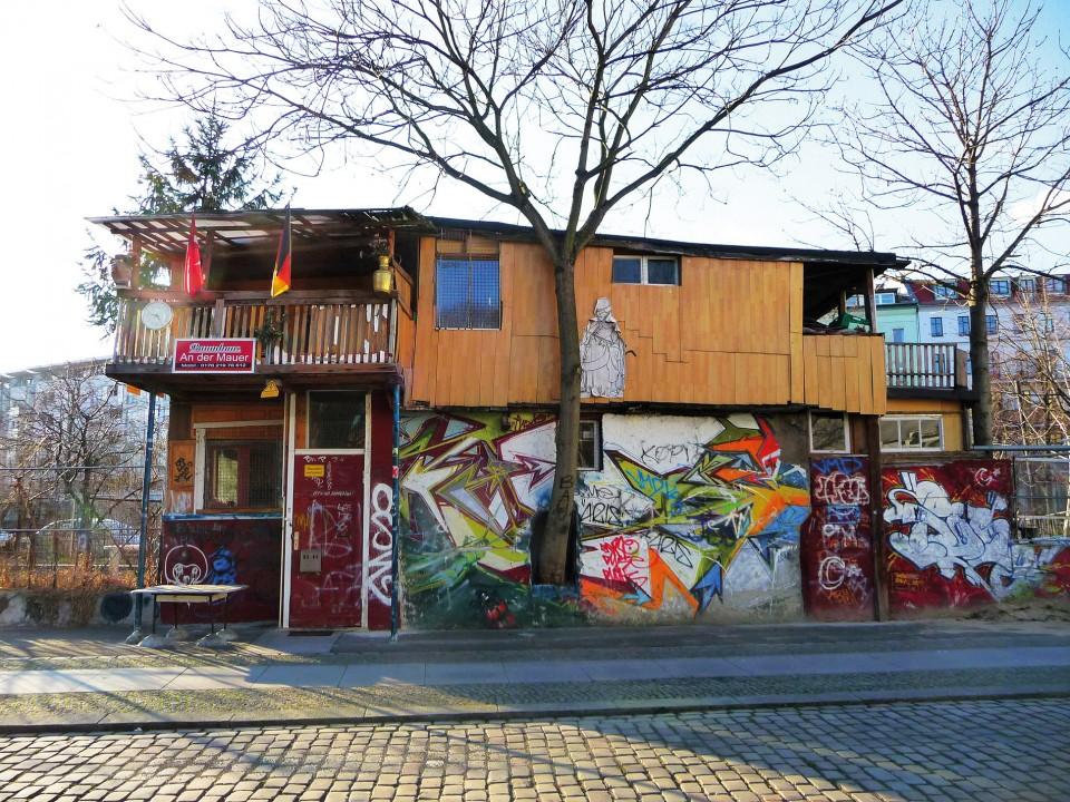 Osman Kalın, Berlin Duvarı, gecekondu